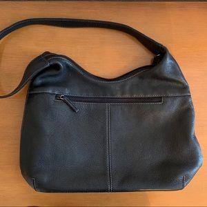 🖤Tignanello black leather purse🖤